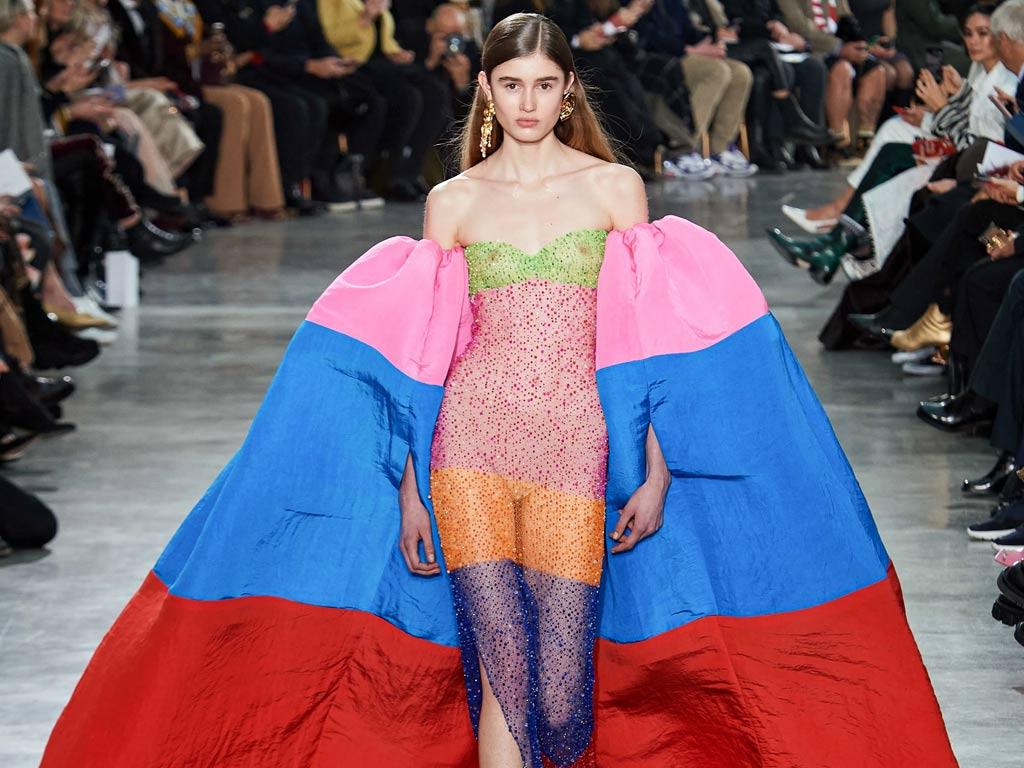 من أسبوع الموضة في باريس